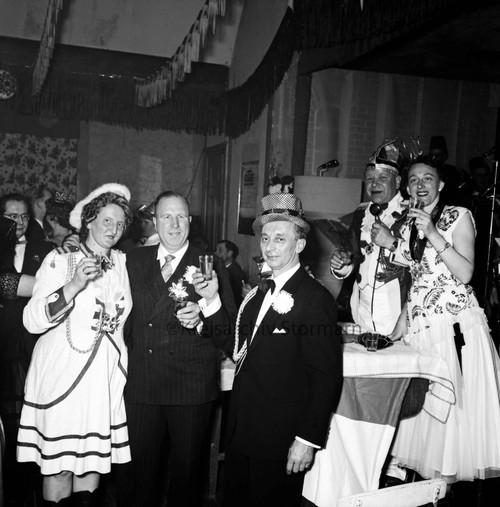 Karnevalssitzung, 1958
