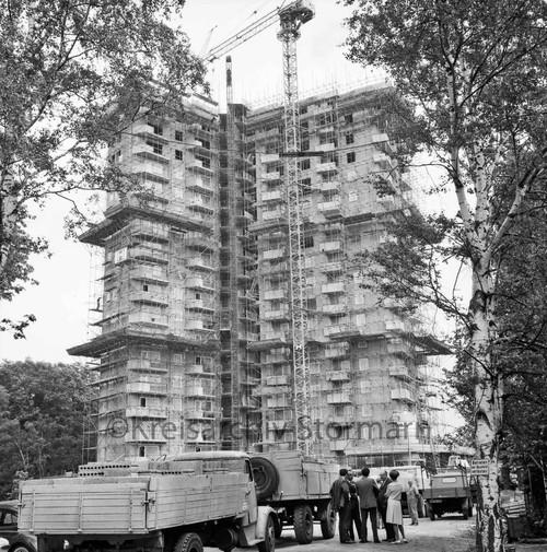Sachsenwald-Hochhaus im Rohbau, 1965