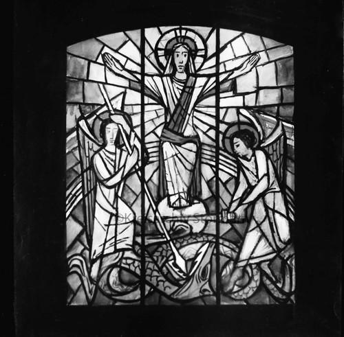 Glasfenster in der St. Michael-Kapelle in Ohe, 1957