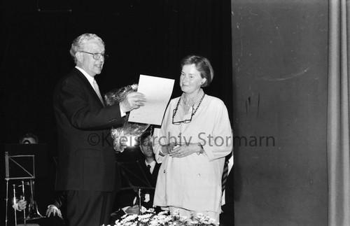 50-jähriges Jubiläum: Begrüßung des 1000. Mitglieds, 1998