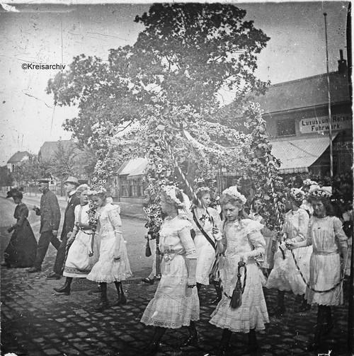 Königspaar während des Umzugs, 1913
